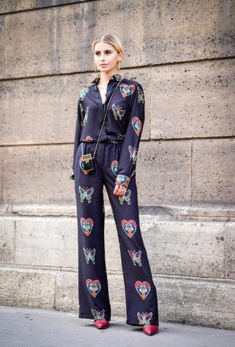 Фото №7 - Модная униформа: как носить пижамы вне дома (и даже в офис)