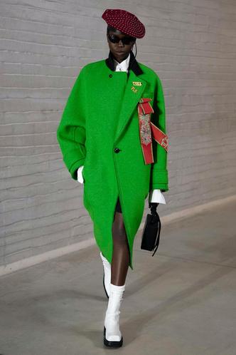 Фото №5 - Полный гид по самой модной верхней одежде на осень и зиму 2021/22