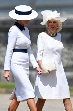 Фото №5 - 10 платьев для офиса, как у Мелании Трамп на встрече с королевской семьей