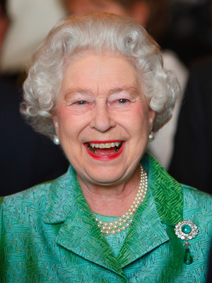 Фото №2 - Королева самоиронии: самое забавное прозвище, которое Елизавета II дала сама себе