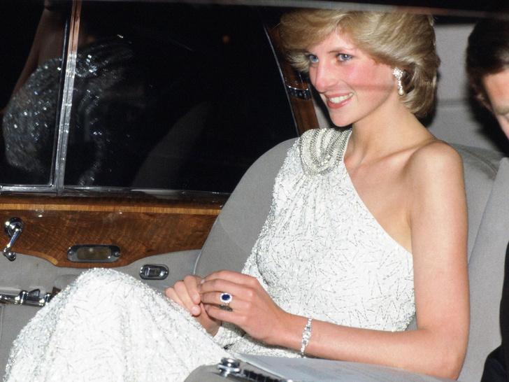 Фото №1 - Почему помолвочное кольцо Дианы стало предметом раздора в королевской семье