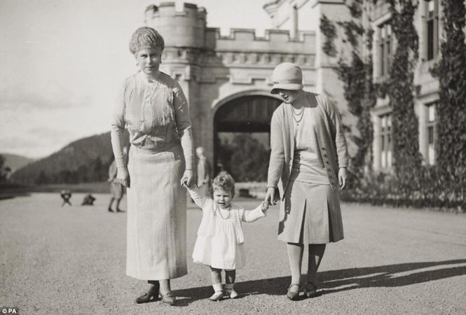 Фото №22 - Принцесса Лилибет: редкие детские фотографии Елизаветы II