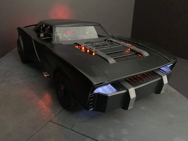 Фото №3 - Как выглядит новый автомобиль Бэтмена