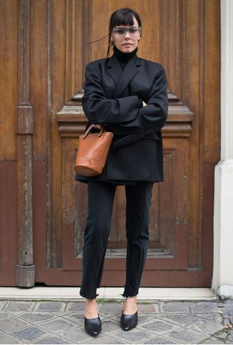 Фото №2 - С чем носить черный пиджак: 8 нескучных идей