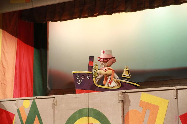 Фото №1 - Спектакль «Айболит» в Московском детском театре Теней
