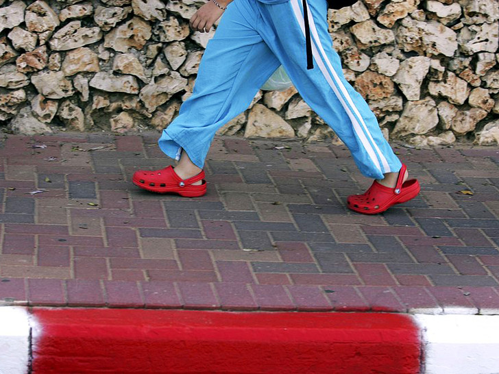 Фото №2 - 5 нелепых моделей обуви, которые лучше не надевать