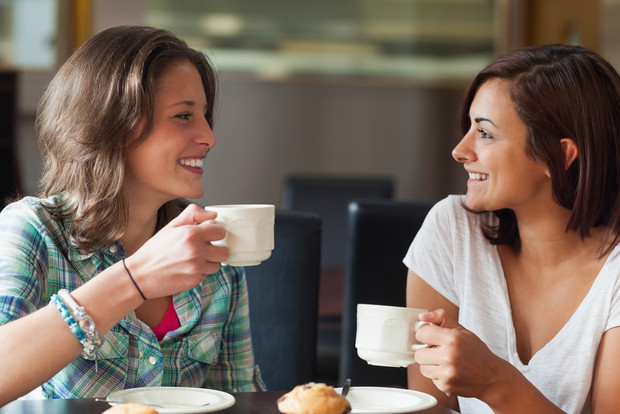 Фото №1 - Врачи утверждают, что ДНК друзей совпадают, как у дальних родственников