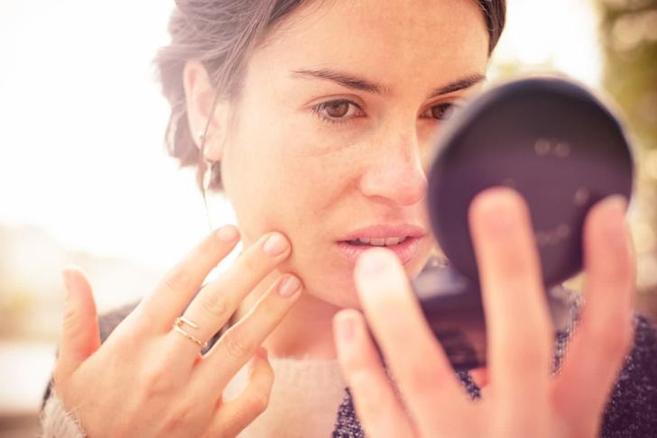 Фото №1 - Хватит это терпеть: 5 популярных косметических средств, которым пора подобрать замену