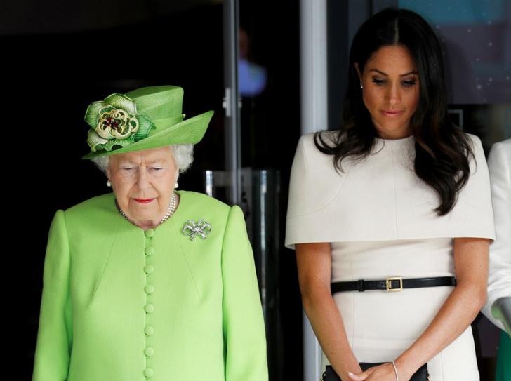 Фото №1 - «Дорогие» родственники: во сколько Королеве обошлись скандалы вокруг Сассекских и принца Эндрю