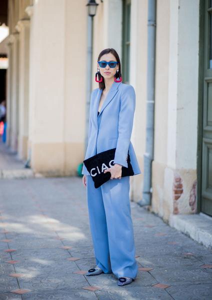 Фото №1 - Не стесняемся: 5 советов, как носить очень яркие вещи