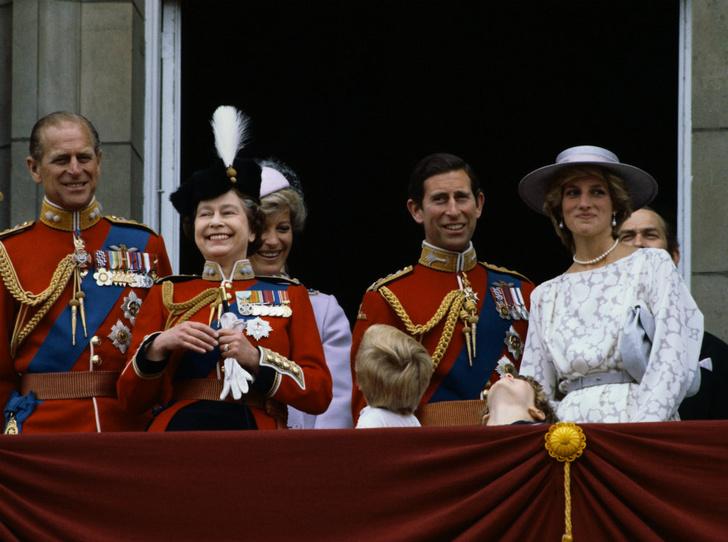 Фото №4 - Обреченные на развод: почему Королева никогда не верила в брак Дианы и Чарльза