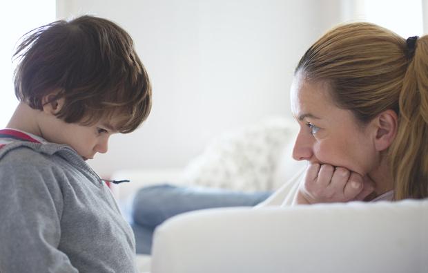 Фото №1 - Психологи: дети разведенных родителей чаще врут
