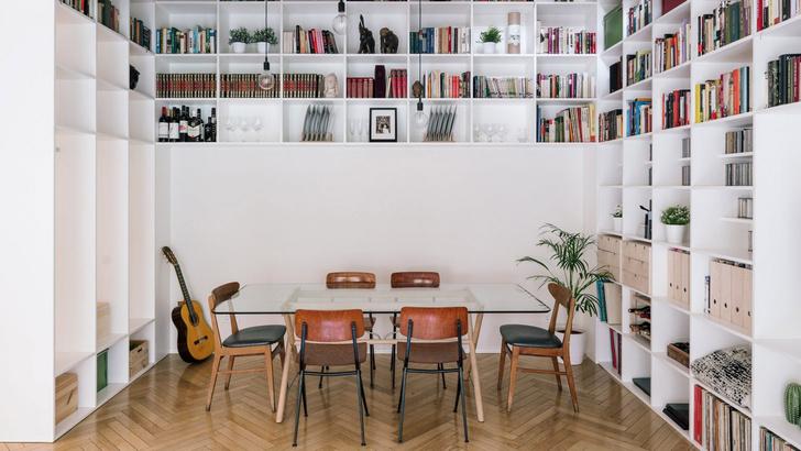 Фото №1 - Дом с двухэтажной библиотекой в Мадриде
