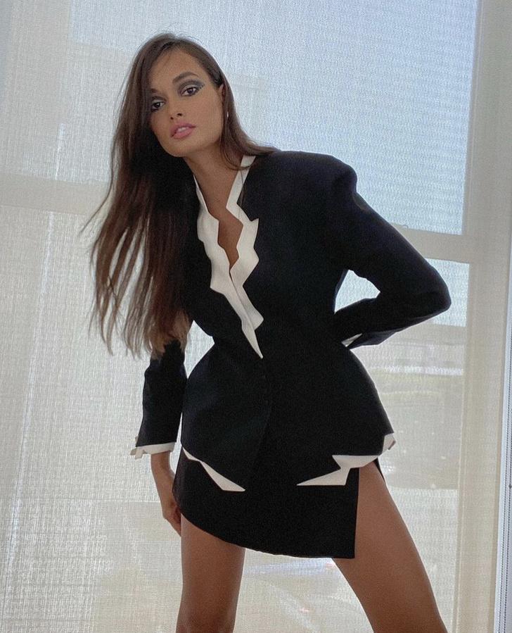 Фото №2 - Модная черно-белая классика, которая будет актуальна и в офисе: пример Жизель Оливейры