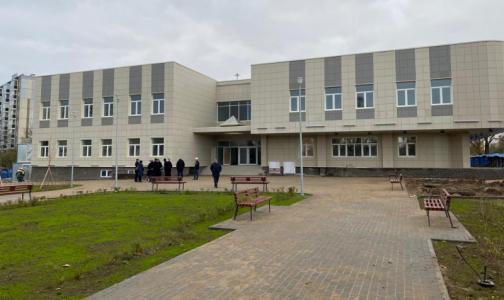 Фото №1 - На юго-западе Петербурга к концу года обещают открыть подстанцию скорой и поликлинику для детей