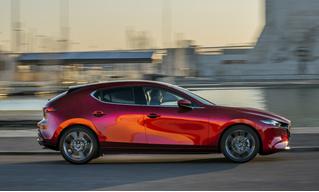 Mazda 3: забыть про кроссоверы