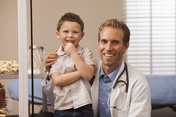Фото №1 - Мужской врач: когда и зачем вести сына к урологу