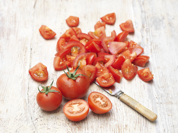 Фото №7 - Солнечная диета: продукты, которые защищают от УФ-излучения