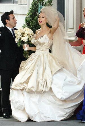 Фото №15 - 16 самых известных, красивых и дорогих свадебных платьев за всю историю