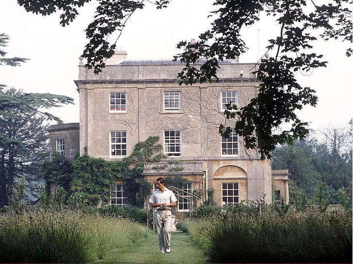 Фото №6 - Владения Королевы: сколько всего у Елизаветы резиденций, и в какой из них она бывает чаще всего