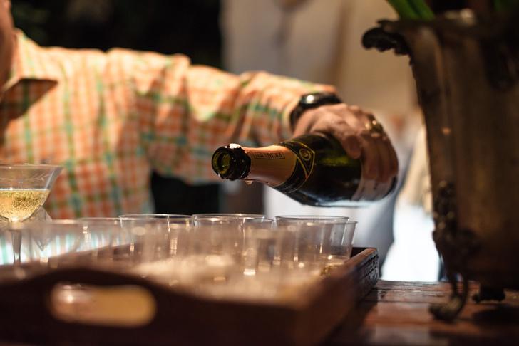 Фото №1 - Минздрав рассказал, сколько можно пить каждый день