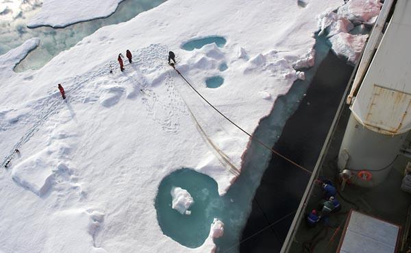 Фото №6 - 4300 метров подо льдом