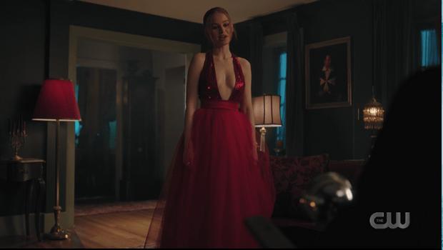 Фото №8 - Где купить такие же платья на выпускной, как у главных героинь сериала «Ривердейл» 💔