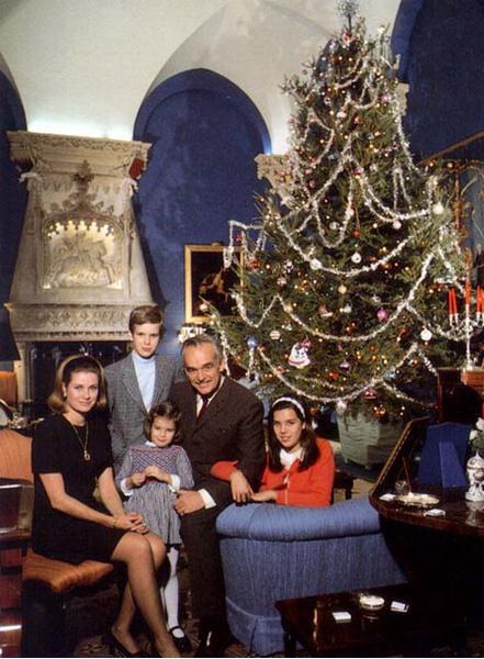 Фото №3 - Самые трогательные рождественские королевские открытки прошлых лет