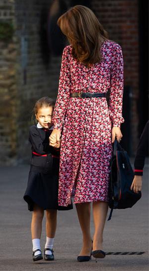 Фото №3 - Изящно и стильно: 15 платьев с цветочным принтом, как у герцогини Кейт