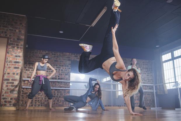 Фото №2 - Какой стиль танца подойдет твоему знаку зодиака