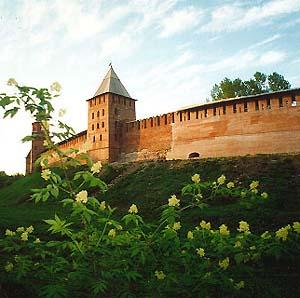 Фото №1 - В Новгородском Кремле найдена площадь XV века