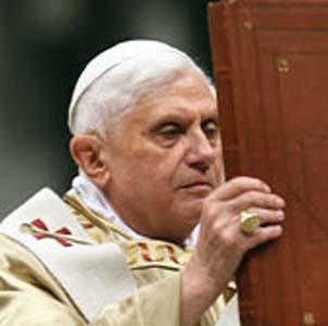 Фото №1 - Папа вспомнил о христианских младенцах
