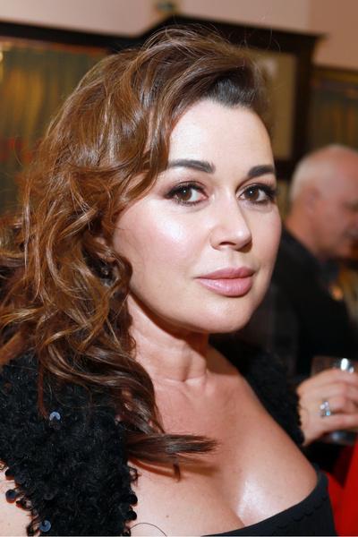 Фото №2 - Состояние здоровья актрисы Анастасии Заворотнюк 18 августа 2021 года: исключение из правил