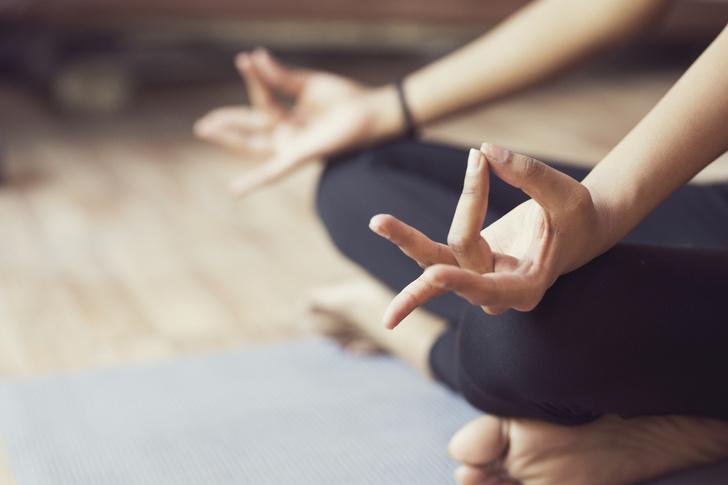 Хорошая идея: йога на праздниках фото [5]