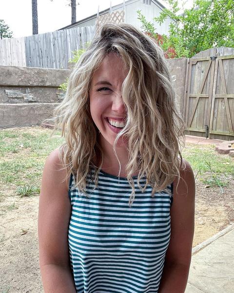 Фото №4 - Почему волосы не вьются: 6 ошибок в уходе за кудрями