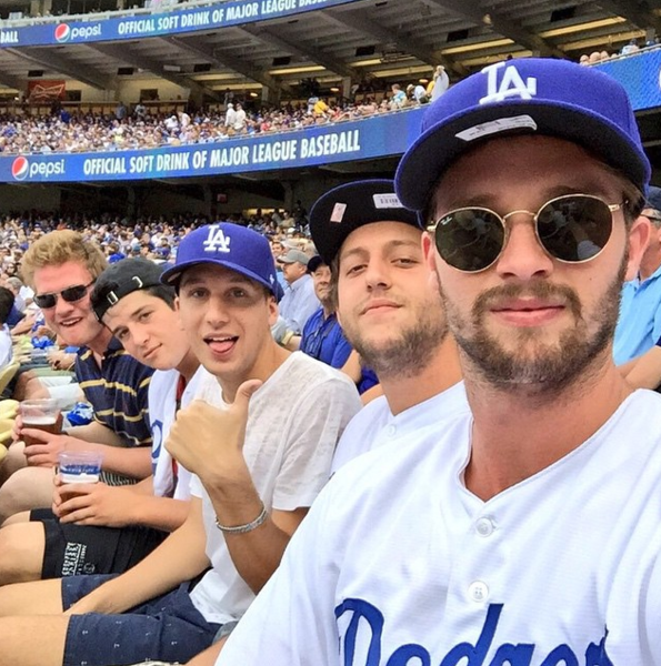 Фото №22 - Звездный Instagram: Хокей, футбол, баскетбол и бейсбол