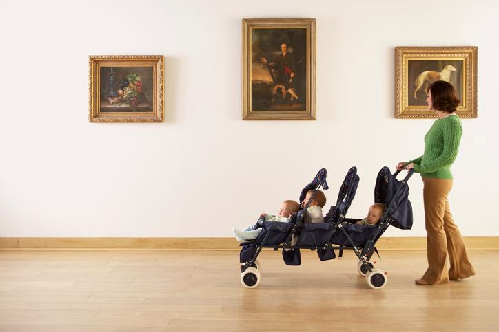 Фото №2 - Почему мы всюду берем с собой детей?