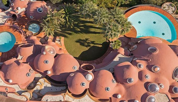 Фото №7 - Дом-пузырь Пьера Кардена снова выставлен на продажу