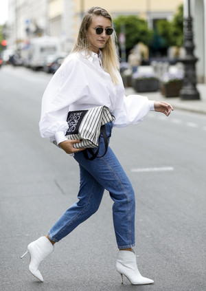 Фото №9 - С чем носить базовые прямые джинсы: модные идеи на любой случай