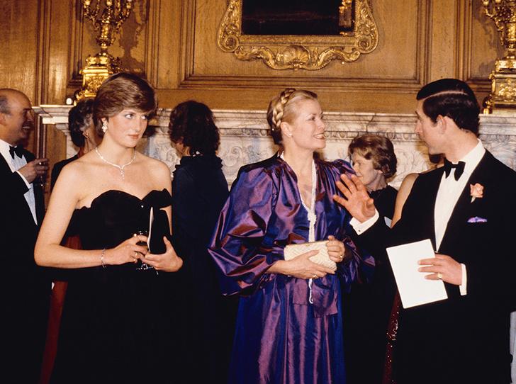 Фото №6 - Черное платье Дианы и ее первая ссора с женихом: как проходил дебют невесты Чарльза