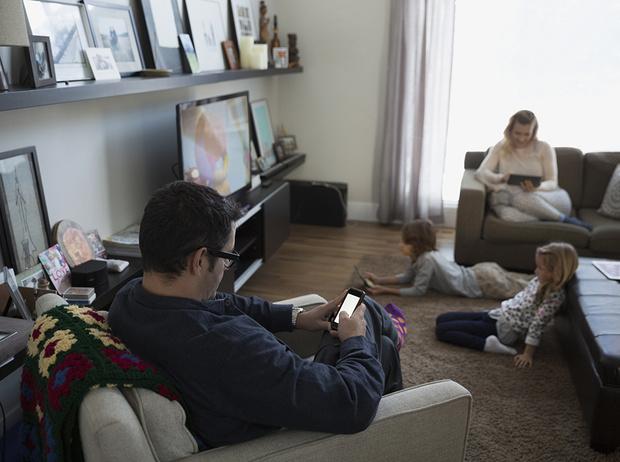 Фото №4 - Что происходит с мозгом, когда мы пользуемся смартфоном и смотрим телевизор одновременно