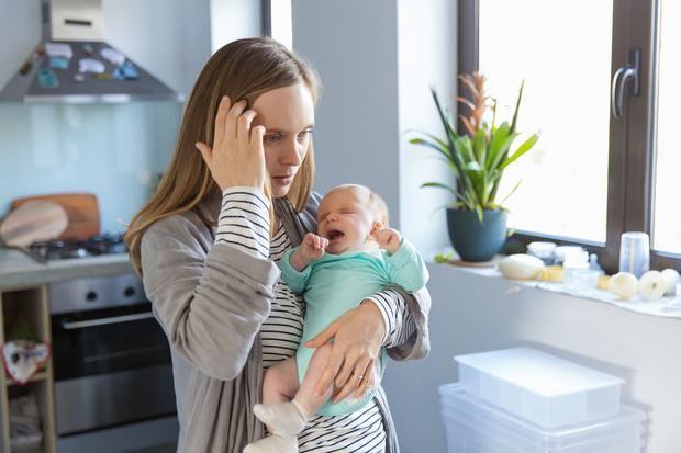 Фото №1 - «Дети— не смысл жизни. Материнство— это работа»: психолог