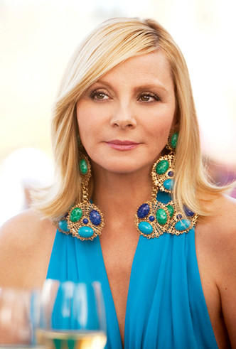 Фото №11 - Серьги с претензией: что такое statement earrings и почему они вам нужны