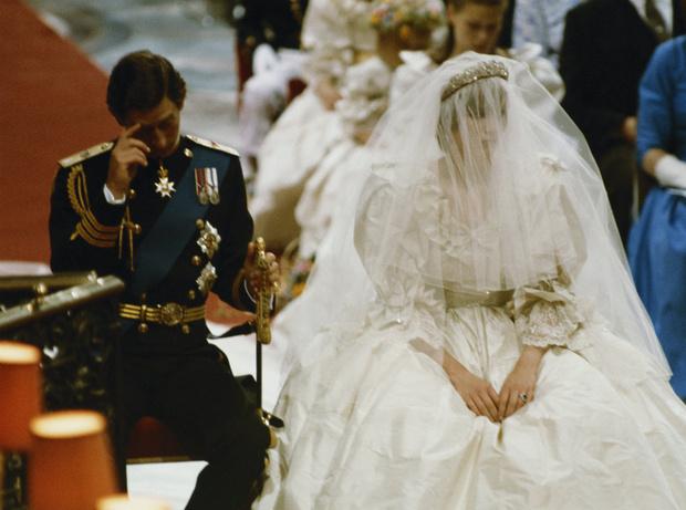 Фото №2 - Первое предательство Чарльза: какая находка испортила свадьбу Диане