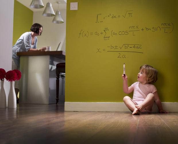 Фото №2 - 7 признаков, что ваш ребенок действительно гений