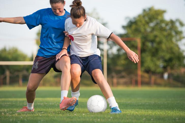Фото №1 - Ученые рассказали о пользе игры в футбол для женщин