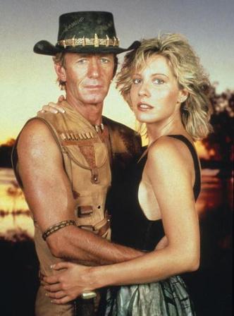 Фото №1 - Как изменилась шикарная блондинка из фильма «Крокодил Данди»