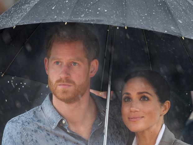 Фото №2 - В поисках счастья: почему принц Гарри нашел себя только за пределами Британии