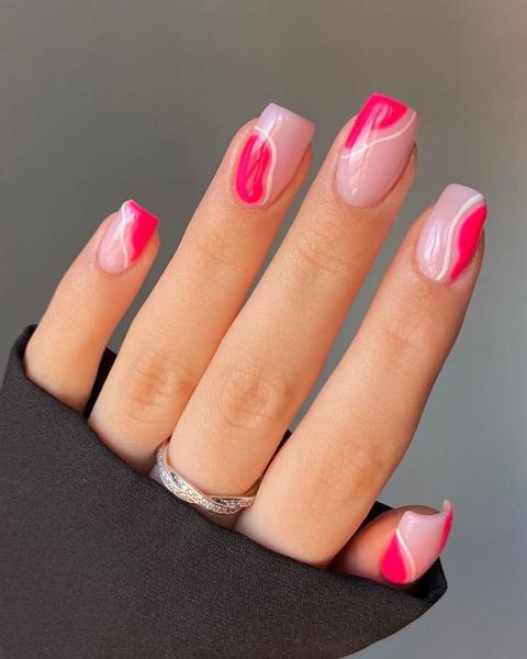 Фото №3 - Яркий маникюр: 12 летних идей для коротких ногтей