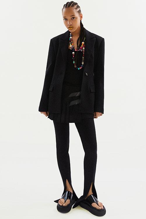 Фото №6 - Цветные шубы, вязаные брюки и венец из перьев: коллекция Attico осень-зима 2021